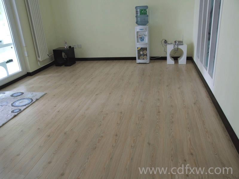 翻新装修时强化复合木地板保养的技巧
